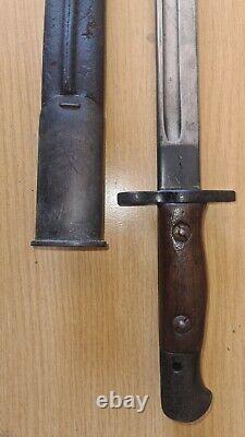 Original Antique British WW1 1907 Pattern Bayonet with rare Frog Helve